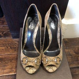 Gucci beige ebony/ chocolate shoes size 37
